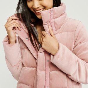 NEW W/O TAGS Light Pink Velvet A&F Puffer Jacket